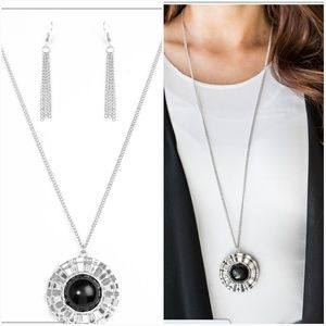 PRIMARY COLOR BLACK NECKLACE/EARRING SET